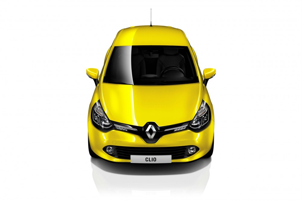 The front view of the Clio 4 shows the new Renault identity