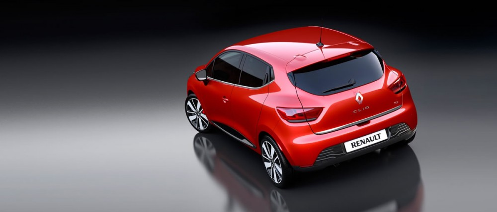 The New Clio 4: 2 aggressive looking rear lights