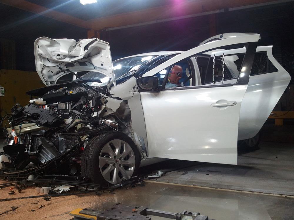 La ZOE après son crash-test frontal à 64 km/h
