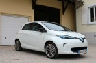 Front right, three quarters view of the Renault ZOE.