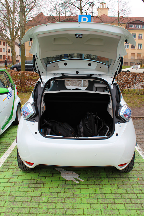The trunk's capacity is 338 liters.